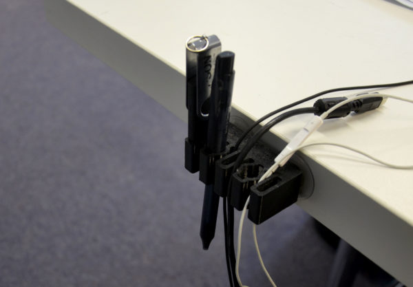 manugoo-Kabelhalter-USB
